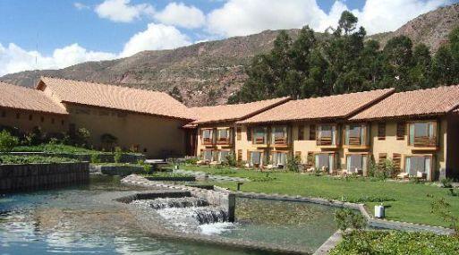 Trece de los 25 mejores hoteles en per se ubican en el for Hotel luxury cusco