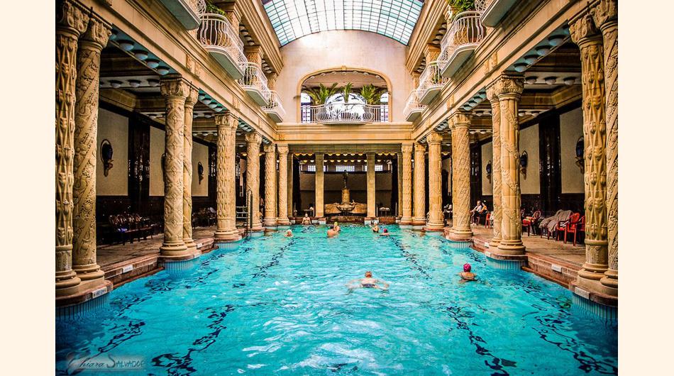 Baño Publico Mas Lujoso Del Mundo:Termales Gellert, Son los baños públicos más famosos del mundo