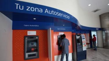 Más de 70,000 peruanos optan por adelantar cobro de sus sueldos al mes