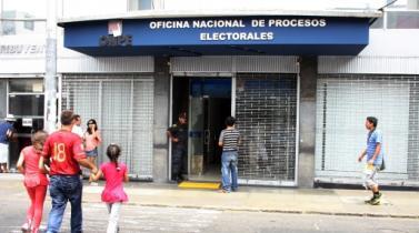 Contraloría y ONPE suscriben convenio para controlar aportes a campañas electorales