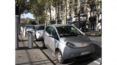 Autolib en París: alquiler de autos 100% eléctricos para reducir la contaminación