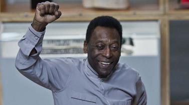 Pelé  se juega uno de sus más duros partidos