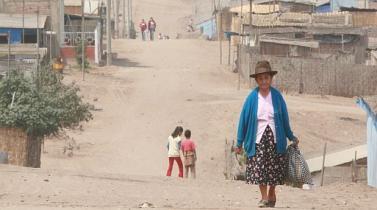 Cepal: pobreza en América Latina se mantuvo en torno al 28% en 2014