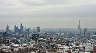 Las constructoras apuntaron a los compradores más ricos cuando el mercado londinense se reactivó tras la crisis. (PA)