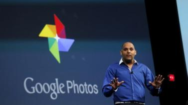Anil Sabharwal, director de Productos de Google, haciendo el anuncio. (Foto: Reuters)