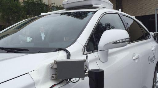 Forman coalición para regularizar autos autónomos