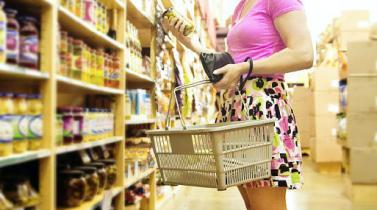 Comida chatarra: fijan plazos para incluir advertencia en etiquetas y publicidad