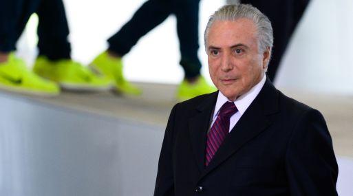Retira Venezuela embajador tras destitución de Rousseff en Brasil