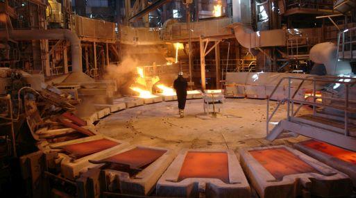 A las 1131 GMT, el cobre a tres meses en la Bolsa de Metales de Londres (LME) caía un 0.5% a 4,757 dólares la tonelada.