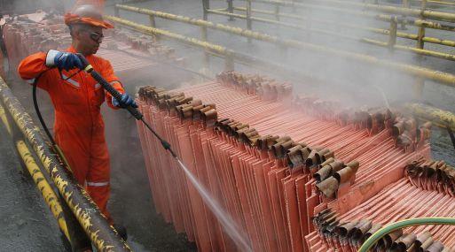 A las 1145 GMT, el cobre en la Bolsa de Metales de Londres caía un 0.72% a 4,758.5 dólares la tonelada.