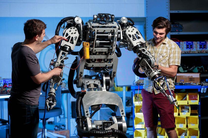 Cómo entrenar a mi robot... ¿para que sea humano?