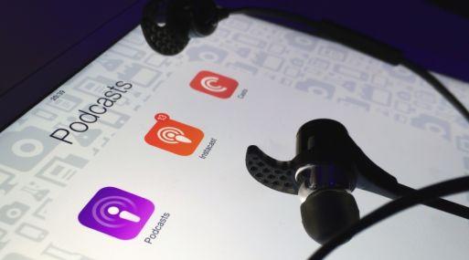 Según el autor, el podcast es una de las aplicaciones que que todo líder, emprendedor o persona exitosa debe de usar.