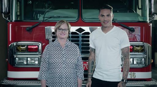 Nancy Lange y Paolo Guerrero: En campaña a favor de los bomberos