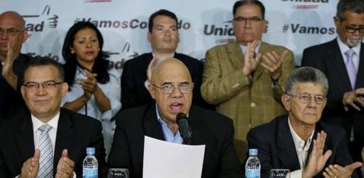 La oposición dándole al gobierno su ultimatum. (Foto: La Patilla)