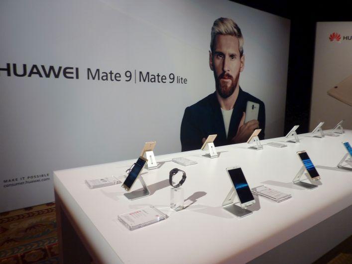 smartphones, Huawei, CES 2017