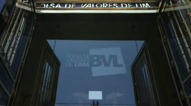 BVL cae presionada por precios del oro y cautela previo a la asunción de Trump
