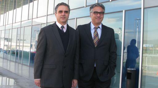 <b>Oferta.</b> Fernando Norero y Héctor Zapata, de Entel Chile.