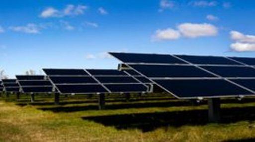Casi la mitad (43.6%) de cada euro que se invierte en el mundo en nuevas plantas de energía va a parar a fuentes limpias. (DF.c)