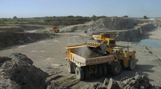 <b>Exportaciones.</b> El sector minero registró una variación negativa de 20.5%.