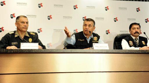 Conferencia de prensa del ministro del Interior y jefes policiales. (Foto: Ministerio del Interior)