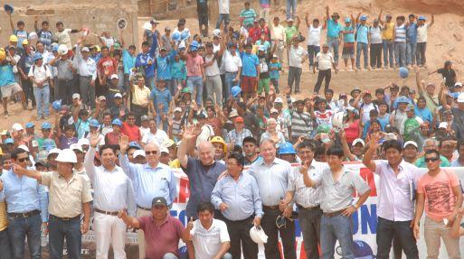 La formalización de la minería ayudaría a recuperar parte del crecimiento económico, afirma Hernando de Soto, quien presidió un encuentro en Arequipa con mineros informales.