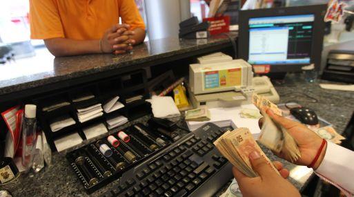 """El efecto inmediato de aumentar la RMV será """"aumentar la informalidad"""", afirmó Eduardo Ferreyros de Comex."""