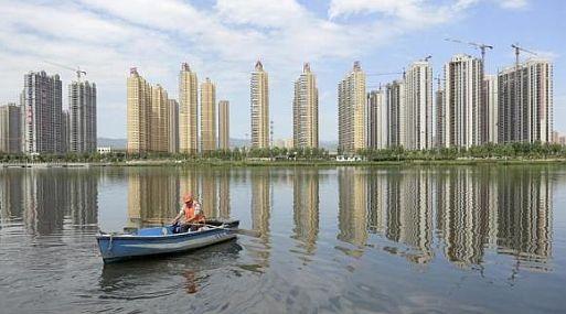 Los precios promedio de las viviendas nuevas en las 70 principales ciudades de China bajaron un 5.7% en febrero. (Reuters)