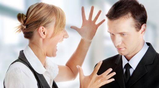 Las restricciones a la hora de expresarse son comunes en los centros laborales.