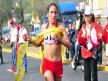 Liderazgo. La maratonista consiguió destacar en el primer lugar de la carrera a partir del kilómetro 25.