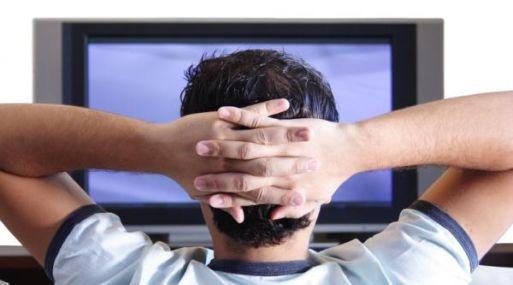 Casi el 100% de los hogares de Lima y Callao ven televisión, según el INEI.