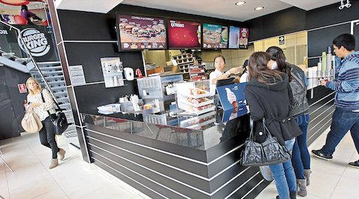 Hamburguesas. Burger King de Delosi compite con Mc Donald's, y con Bembos de Intercorp.