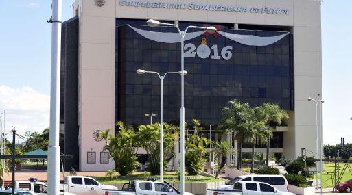 Luque, Paraguay. Sede de Conmebol es allanada por autoridades. (Foto: AFP)