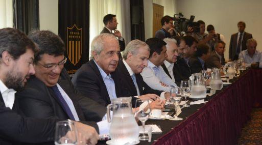 Los dirigentes de la Liga Sudamericana reclaman más ingresos, y más transparencia en la Conmebol.