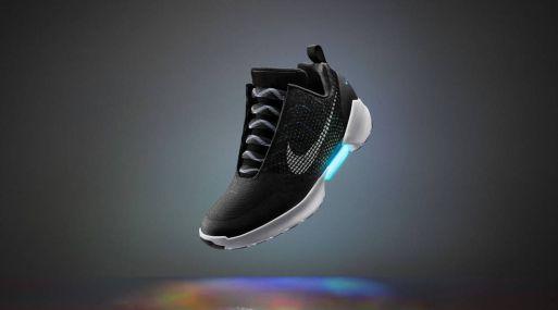 8aaec612df5 Nike lanza las zapatillas deportivas de  Regreso al futuro  que se atan  solas