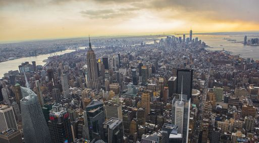 Algunos de los bienes adquiridos son alucinantes, tal como el palacio hotelero Waldorf Astoria en Nueva York.