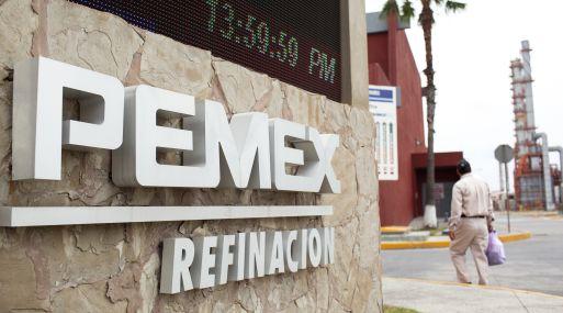 Pemex busca levantar capital de manera inmediata para frenar la deuda.