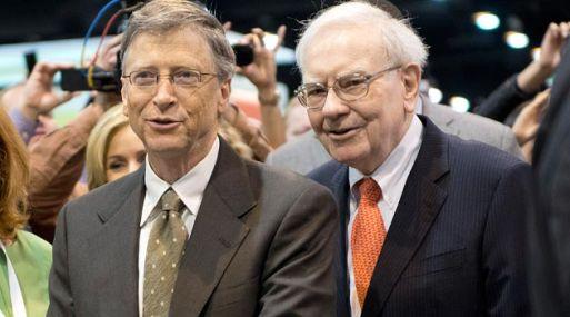 Warren Buffett and Bill Gates pasan su tiempo libre como muchos de nosotros.
