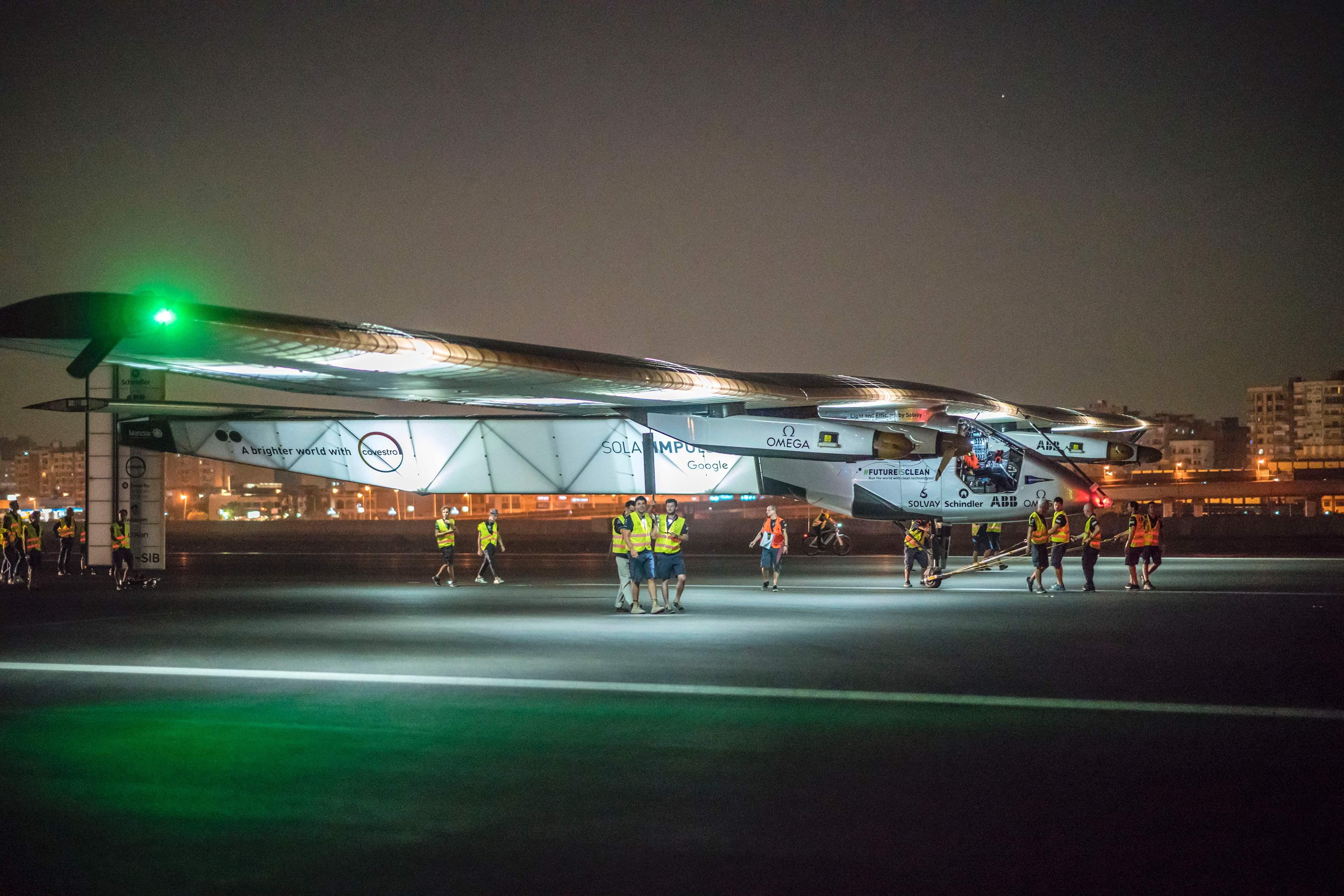 energía solar, Solar Impulse 2