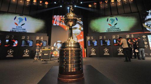 Trofeo de la Copa Libertadores. (Foto: AFP)