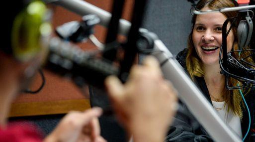 Verónica Gómez, una de las comediantes, vive con racionamiento de agua desde hace un año. (AFP)
