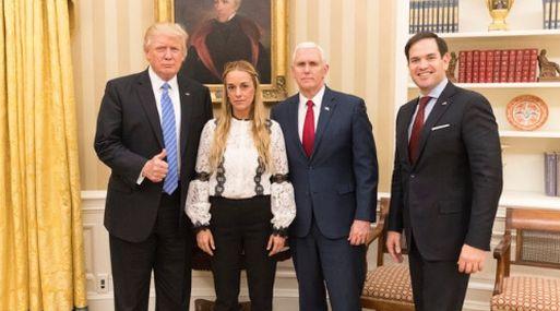 Donald Trump en la Casa Blanca con Lilian Tintori, esposa de Leopoldo López. (Foto: Twitter de Donald Trump)