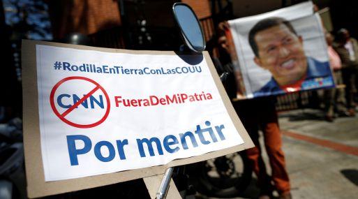 Chavistas protestan en contra de CNN en Español. (Foto: Reuters)