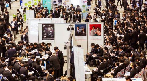 Feria de empleo en Japón. (Foto: Bloomberg)