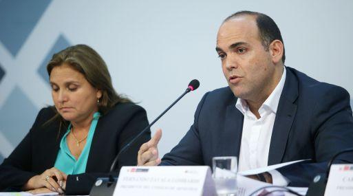 """""""Tenemos serias discrepancias con el informe de Contraloría"""", dijo Zavala en conferencia de prensa."""