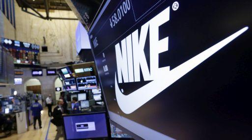 Las acciones de Nike caían un 2% a US$ 53.59 en las primeras operaciones en Wall Street. (Foto: AP)
