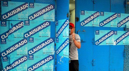 Muchos locales comerciales operan sin permiso municipal. (Foto: Andina)