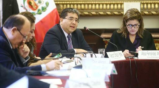 Nelson Shack se presentó hoy en la Comisión de Presupuesto (foto: Congreso).