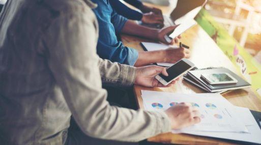 En el mundo laboral actual los jóvenes profesionales cambian de empleo en menor tiempo, según Career Partners.