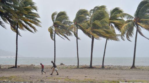 Miles de turistas quedaron atrapados en San Martín, San Bartolomé y las Islas Vírgenes en el camino del huracán José. (Foto: AFP)