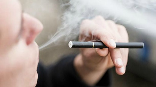 Los estudios fueron presentados durante el Congreso Internacional de la Sociedad Respiratoria Europea, en el que se destacó especialmente el riesgo de salud para las personas que fuman tanto cigarrillos electrónicos como convencionales. Foto: Flickr